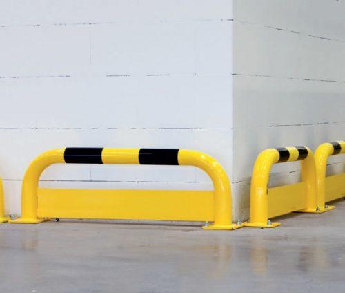 גדר עם פלטה תחתונה